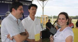 O novo diretor executivo com Maria Cármen Amarante Botelho, superintendente do CONSAÚDE, e o antigo diretor e atual Sec. de Saúde de Registro/SP, João Sakô.