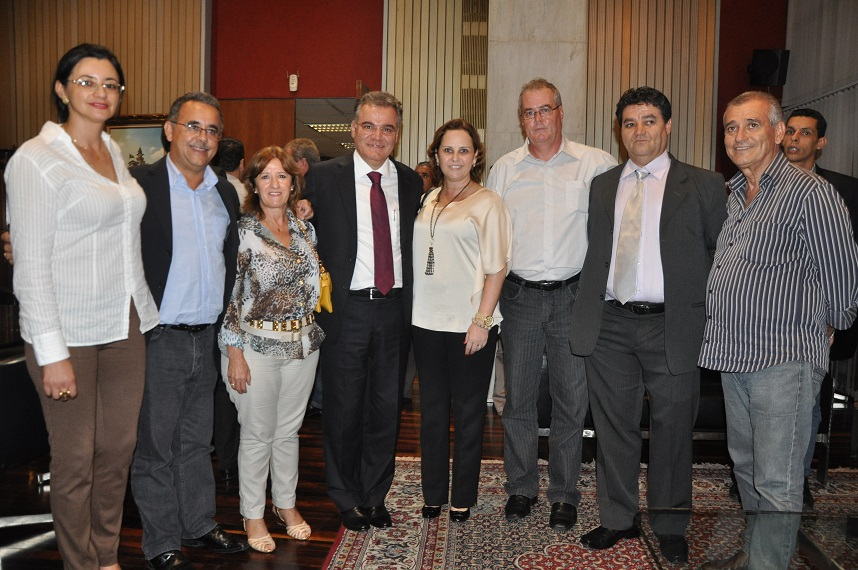 Representantes de órgãos regionais prestigiaram posso de parlamentar na ALESP. (foto: Sueli Correia)