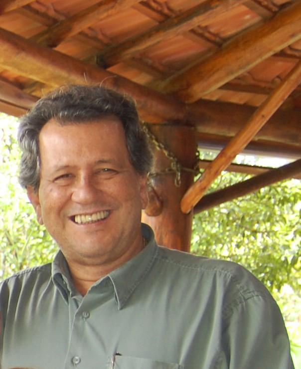 Dr. Roberto ava