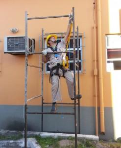 Equipe de manutenção recebeu treinamento de trabalho em altura no HRI/CONSAÚDE.