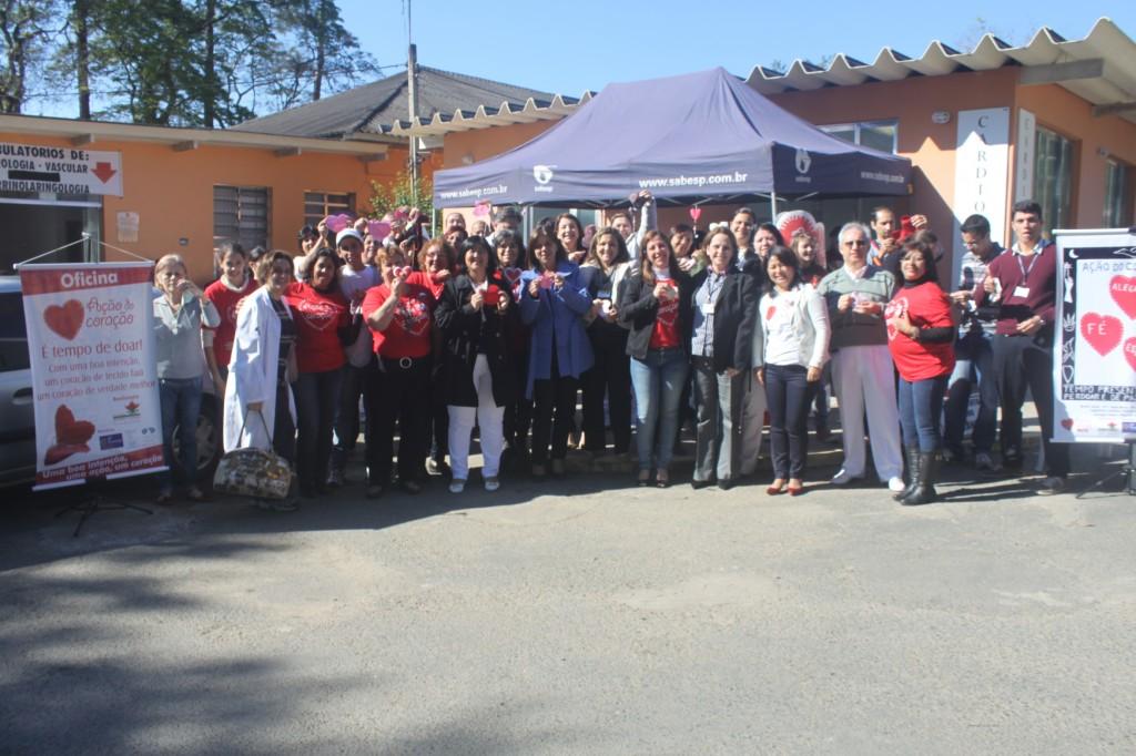 Mais de 600 corações foram confeccionados durante oficina do HRLB/CONSAÚDE.